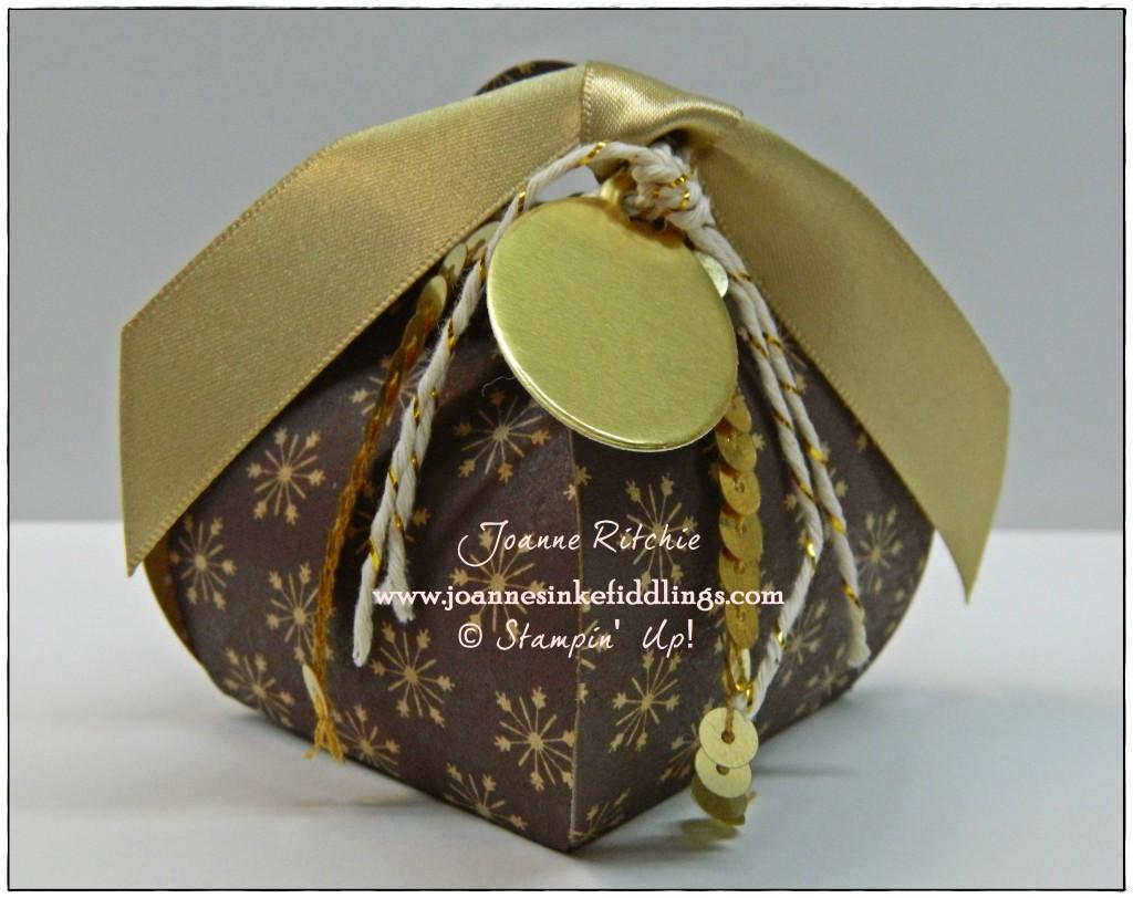Curvy Keepsake Box - Christmas Gold - JIF